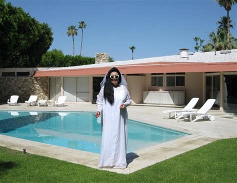 elvis honeymoon house pool and back of the house picture of elvis honeymoon hideaway palm springs
