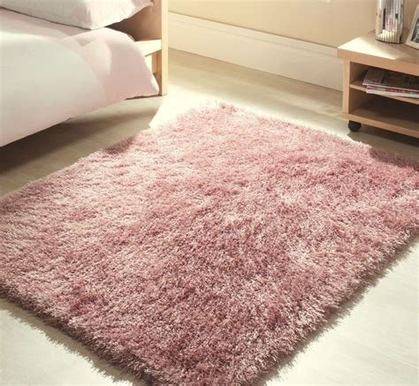 fluffy rug 17 best ideas about fluffy rug on white fluffy rug white fur rug and white rug
