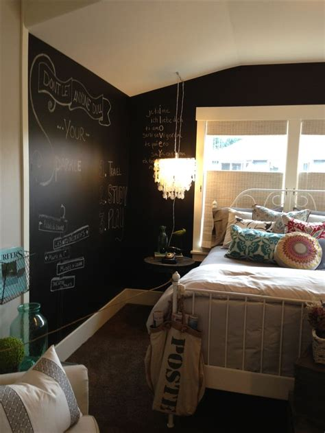 chalkboard paint ideas bedroom 25 best ideas about chalkboard paint walls on pinterest