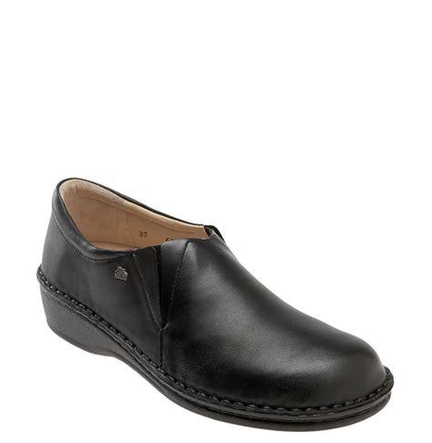 finn comfort shoes finn comfort newport slip on in black black nappa leather