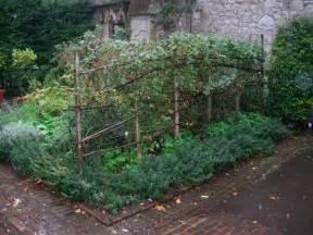 How To Make A Vegetable Trellis Trellis Garden Ideas Pinterest