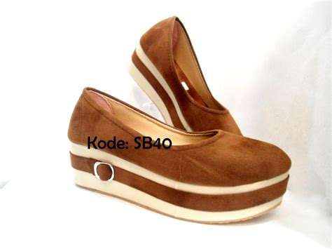 Sepatu Wanita Wedges Eh13 Krem Coklat jual sepatu sandal wanita wedges shoes platform basic