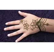 Latest Post About Easy Mehndi Designs Here Some
