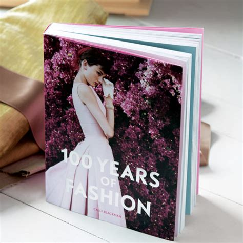 libro 100 years of fashion 100 years of fashion all gifts olive cocoa