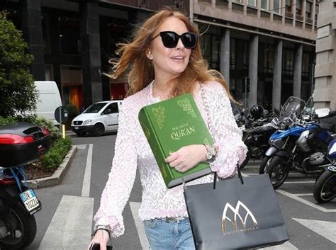 Lindsay Lohan Gets Free Chauffeur Service by Lindsay Lohan Is Considering Converting To Islam But She