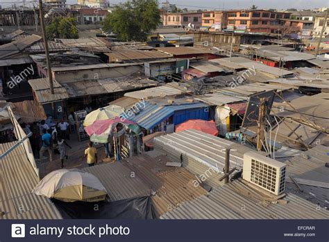 W Mba 2018 Ghan by A Shantytown Near Downtown Accra West Africa Stock