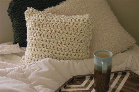 always rooney learn to crochet pillow pattern