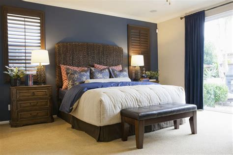 wall to wall bed how to choose an accent wall and color in a bedroom