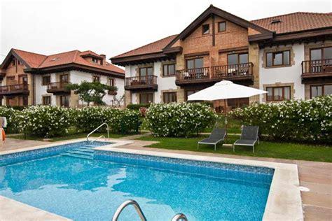 apartamento santillana del mar apartamentos ciudad de petra apartamentos con piscina en