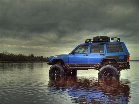 hunting jeep cherokee lifted blue xj jeep i want another cherokee even stock