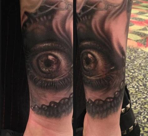 eye tattoo black black and grey eye by francisco tattoos