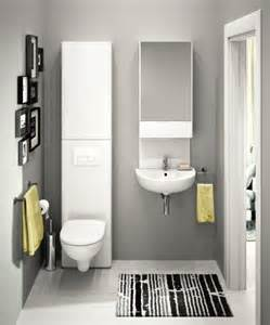 peinture salle de bains pour agrandir l espace restreint