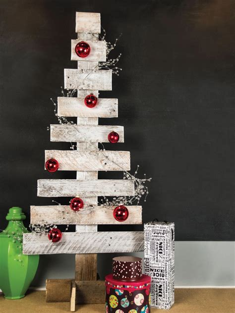 pinterest christmas made out of tulldecorating ideas pallet tree make a tree from wooden pallets hgtv