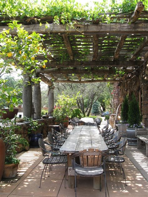 italian style backyard coin repas au jardin o 249 l on a h 226 te de prendre son repas