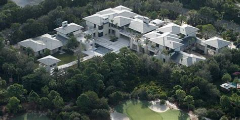 how many houses does michael jordan own michael jordan builds cigar friendly mansion