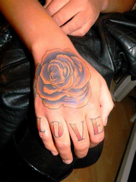 kleine hand tattoos designs und ideen tattoosideencom