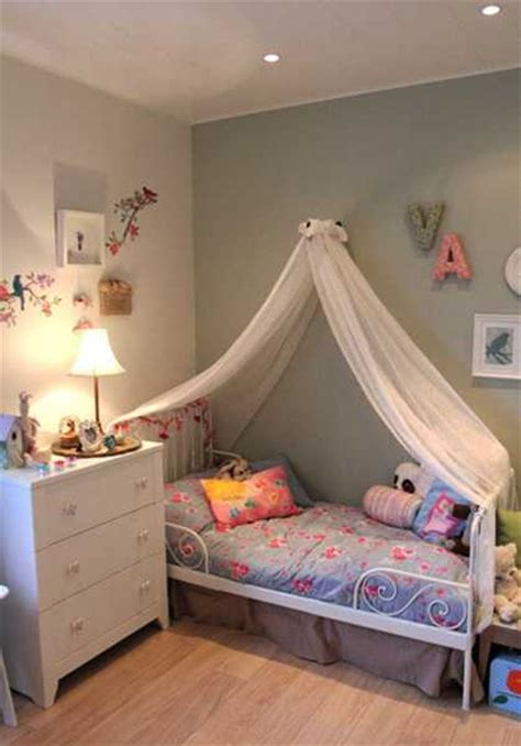 girls bedroom decorating  light room colors