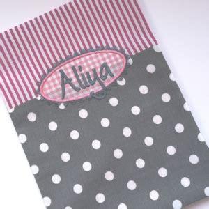 personalisierte babydecke 150 kuscheldecke mit namen kreis weiss rosa