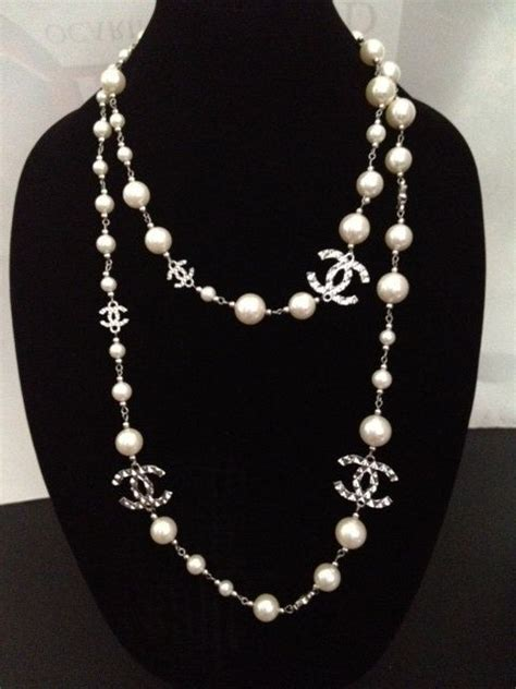 A Black And White Affair At Chanel Jewelry Of Diamonds by 25 Best Ideas About Chanel Necklace On Chanel