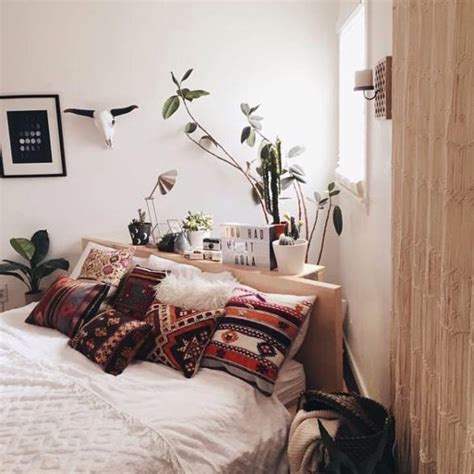 bedroom bed placement 25 best ideas about bed placement on pinterest rug