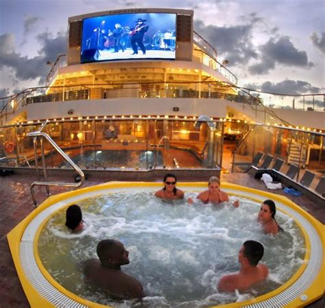 destination boat club reviews carnival freedom cruise ship review the avid cruiser