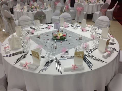 Decoration Table Ronde Mariage by Deco Table Ronde Mariage Romantique