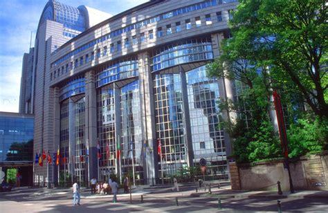 dove ha sede il parlamento europeo allarme al parlamento europeo pacco sospetto per un