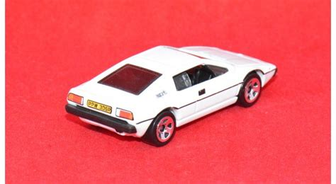 Hotwheels Lotus Jamesbond wheels bond lotus esprit s1 cars