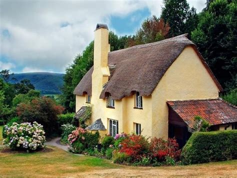 40 Beautiful Thatch Roof Cottage House Designs Thatched Cottage House Plans
