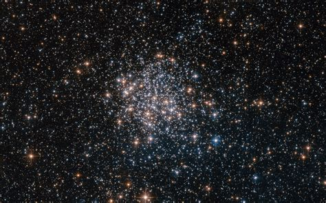picture of the of the large magellanic cloud esa hubble