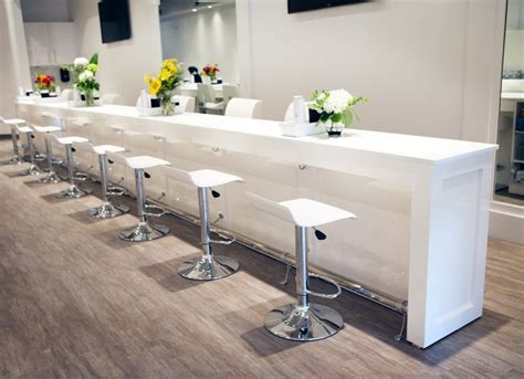 Nail Bar Table 25 Best Ideas About Nail Bar On