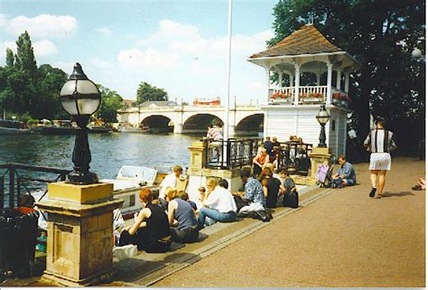 new year in kingston upon thames the thames at kingston bridge 169 colin smith geograph
