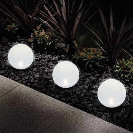 Solar Globe Lights Outdoor Amazing Best Solar Lights For Garden 3 Outdoor Solar Garden Globe Lights Smalltowndjs