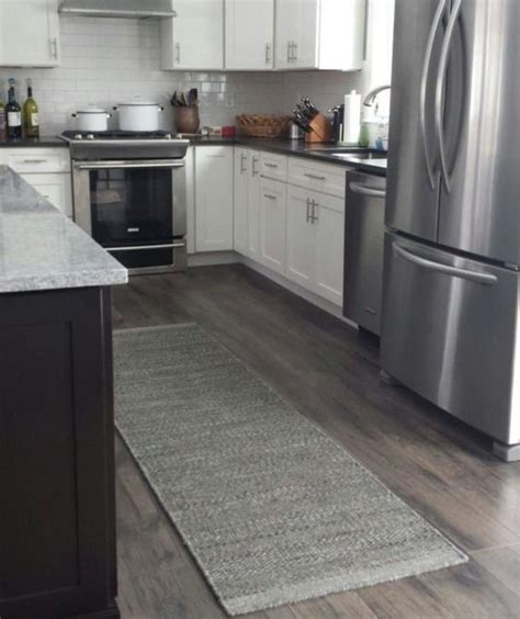 Kitchen Flooring Ideas (Pros, Cons and Cost of Each Option)