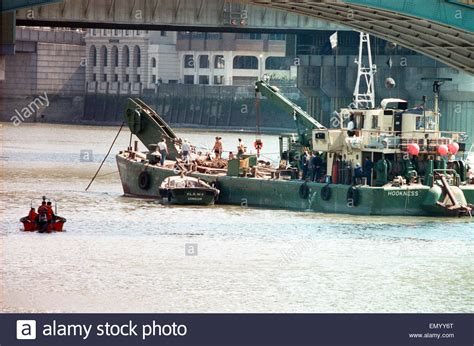 thames river boat sank 1989 the pleasure boat marchioness sank after being hit by the