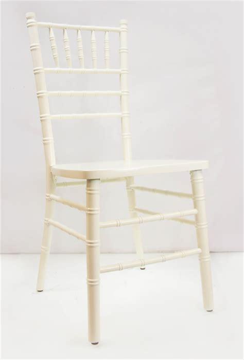 stackable chiavari chairs by vision ivory cream chiavari chairs vision furniture