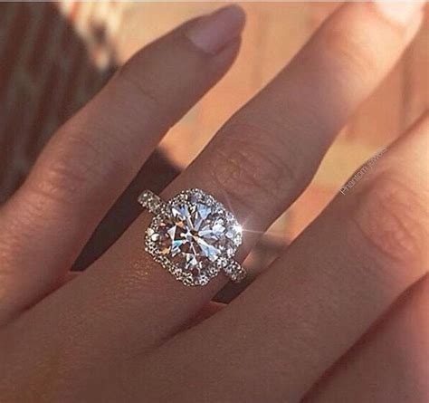 Big Engagement Rings by Best 25 Rings Ideas On Gold Band