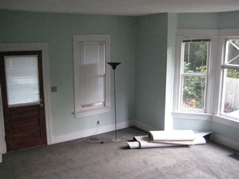 Light Grey Walls What Colour Carpet New Life Old House Walls And Paint And Carpet Oh My