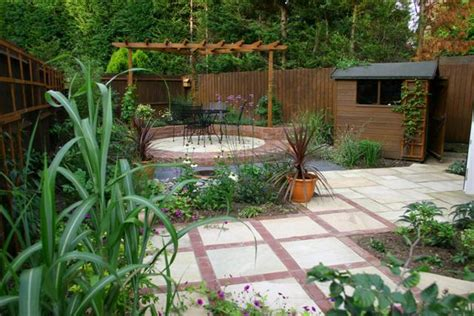 Patio Designs For Small Gardens Gardens By Design Landscape Contractors In Warwickshire