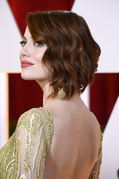 emma stone wavy hair emma stone short wavy cut short hairstyles lookbook
