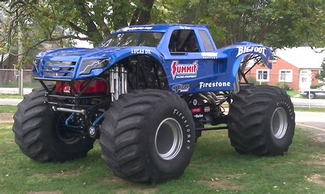 pictures of bigfoot monster truck bigfoot 18 world record monster truck jump youtube