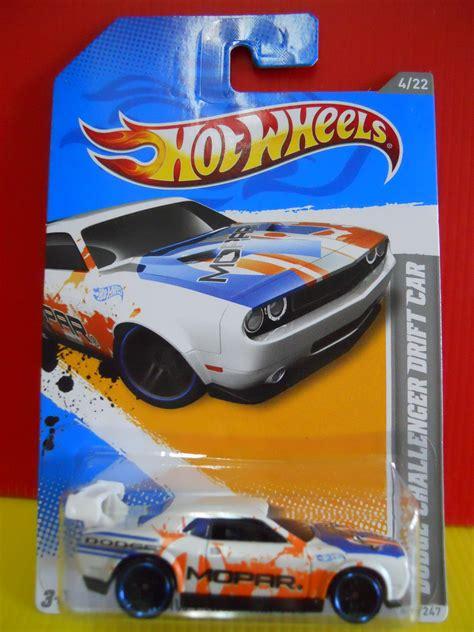 hotwheels dodge challanger drift car white wheels 2012 229 dodge challenger drift car white