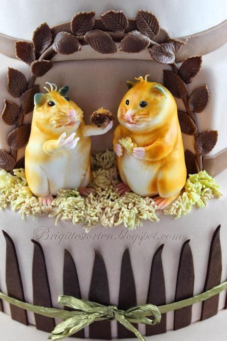 braut lacht sich kaputt hochzeitstorte weddingcake mit zwei gold hamstern in braun