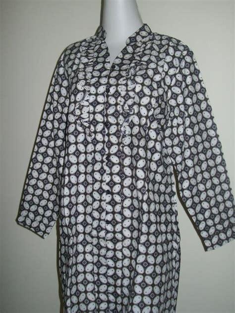 Cp Sarimbit Hitam blus batik wanita kain katun lengan panjang paduan warna putih hitam toko batik 2018