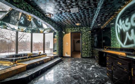 mike tyson gold bathtub images show off lavish luxuries inside celebrity bathrooms