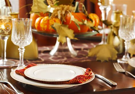 how to set a thanksgiving dinner table how to set the thanksgiving dinner table