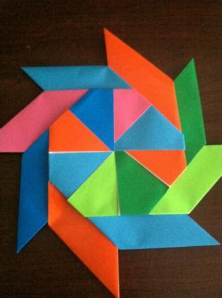 How To Make A Origami Wreath - make an easy origami wreath lovetoknow