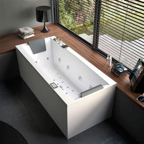 Badewanne Am Fenster by Badewanne Im Badezimmer 24 Erstaunliche Designs