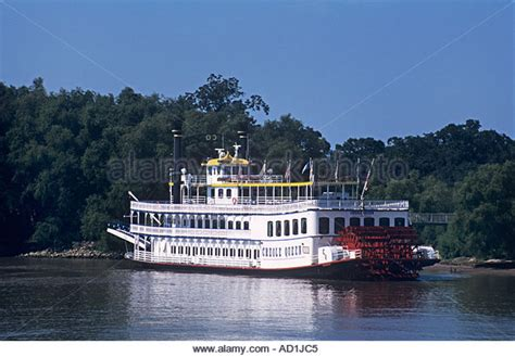 mississippi riverboat cruises from memphis to new orleans paddlewheel mississippi river stock photos paddlewheel