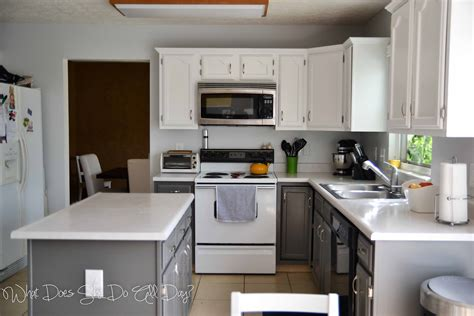 Painted Kitchen Cabinets by Painted Kitchen Cabinets Before And After What Does She